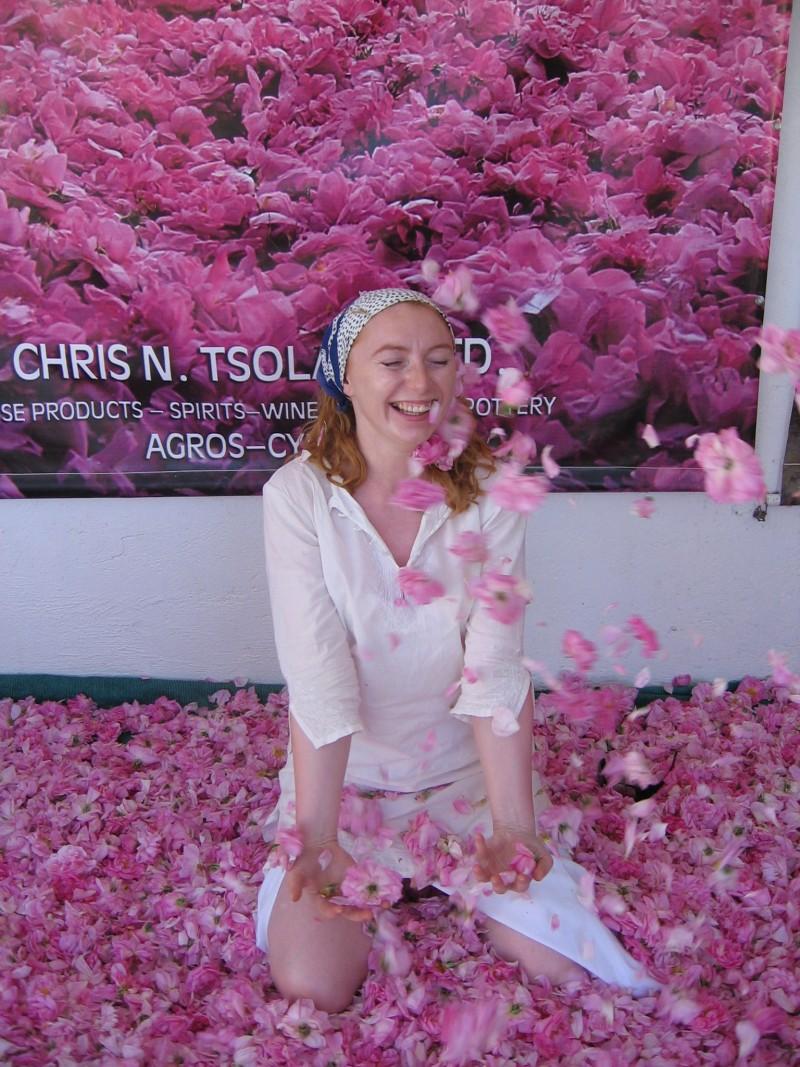 Cypr. Wytwórnia olejku różanego